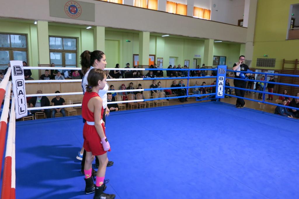 Nelly Coufalová před vyhlášením nerozhodného výsledku utkání s Natálií Dudovou v Kroměříži 4.2.2017